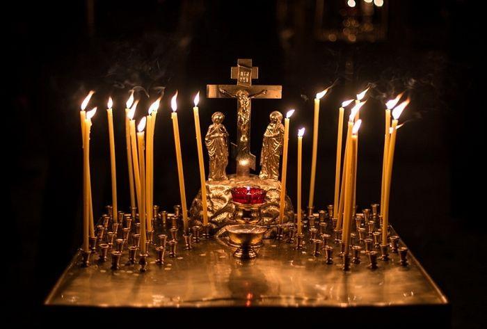 много свеч