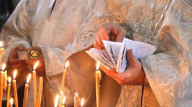 свечи и батюшка