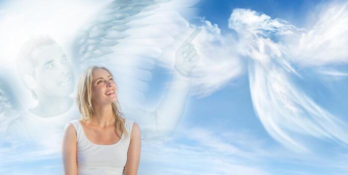 девушка и ангелы