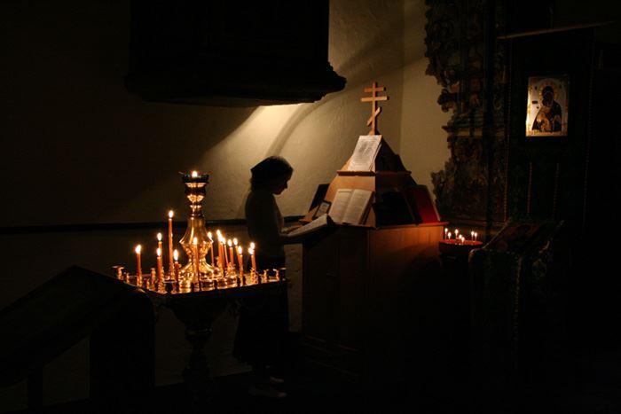девочка и свечи
