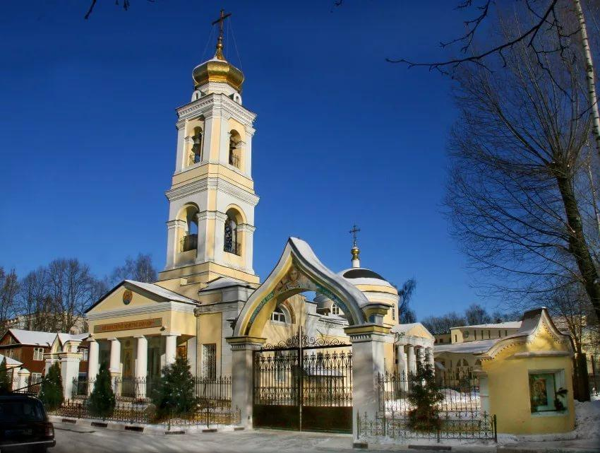 Зосимо-Савватиевская церковь в Гольяново