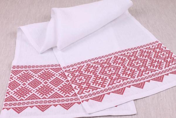 Белый и розовый рушник