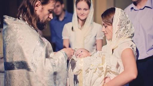 можно ли незамужней девушке крестить девочку