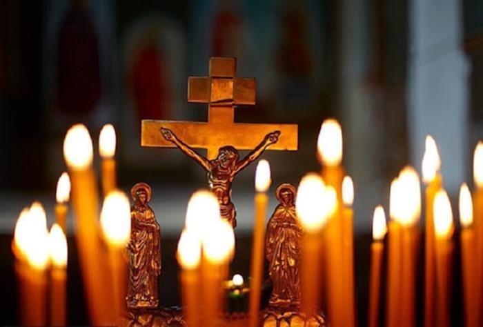Церковь и крест